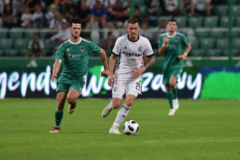 Krzysztof MączyńskiJego nazwisko wciąż przewija się w spekulacjach transferowych. Słabość do byłego reprezentanta kraju ma podobno Adam Nawałka i to