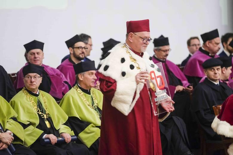 Święto UMK. Toruński uniwersytet z rekordową nadwyżką finansową