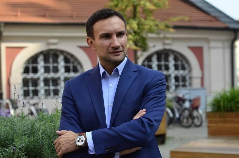 W maju doszło w poznańskiej miejskiej spółce Zarządzie Komunalnych Zasobów Lokalowych do sporych zmian personalnych. Zarząd spółki został poszerzony