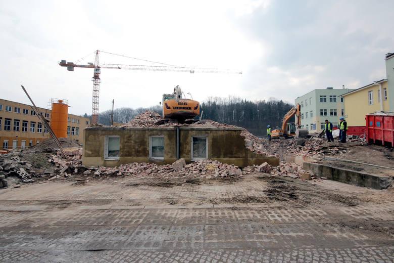 Marzec 2016 -  Rozbiórka budynku dermatologii UCK