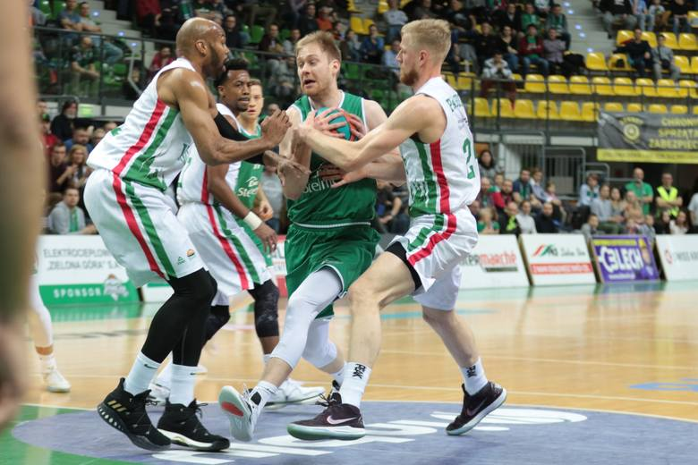 Koszukarze Stelmetu Enei BC Zielona Góra przegrali z Unicsem Kazań 89:100.