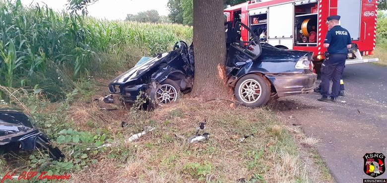Jak już informowaliśmy, w poniedziałkowe popołudnie w miejscowości Sukowy (gmina Kruszwica) doszło do bardzo groźnego wypadku. Samochód marki BMW wręcz