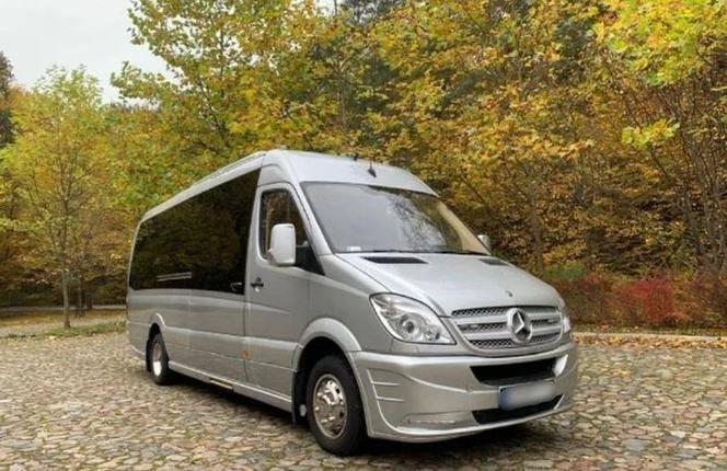 Ma przejechane 196 tysięcy kilometrów. To dokładnie Mercedes Sprintera519 CDI (diesel 3.0 l o mocy 190 KM, DMC 4,6 t).Jednocześnie zaznaczono, że auto