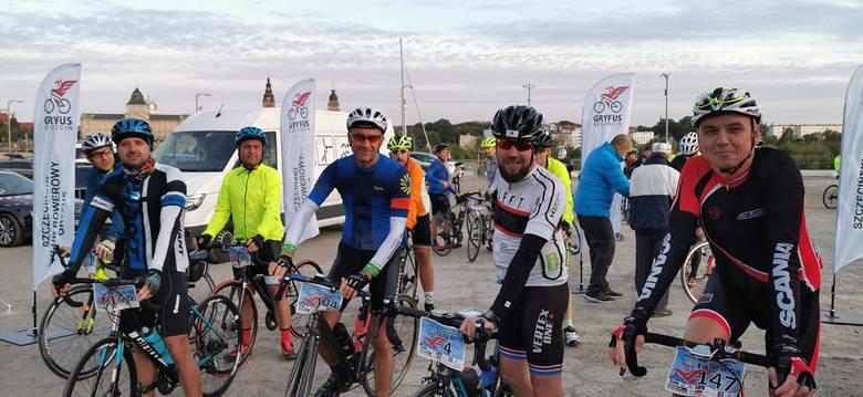 Kolejny udany ultramaraton rowerowy dookoła Zalewu [ZDJĘCIA]