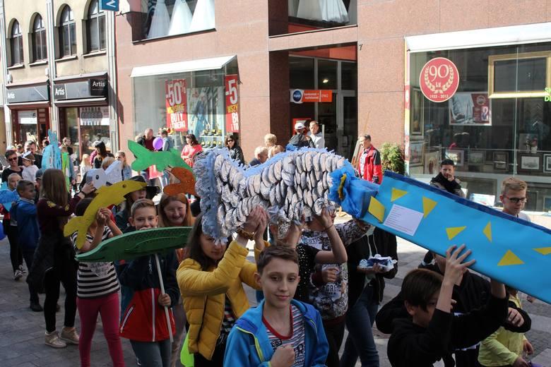 Festiwal z rybami w tle. Festiwal z ikrą w Rybniku to hit. Przyciąga widzów w każdym wieku. Impreza odbyła się w sobotę, 21 września. Zobaczcie zdjęcia