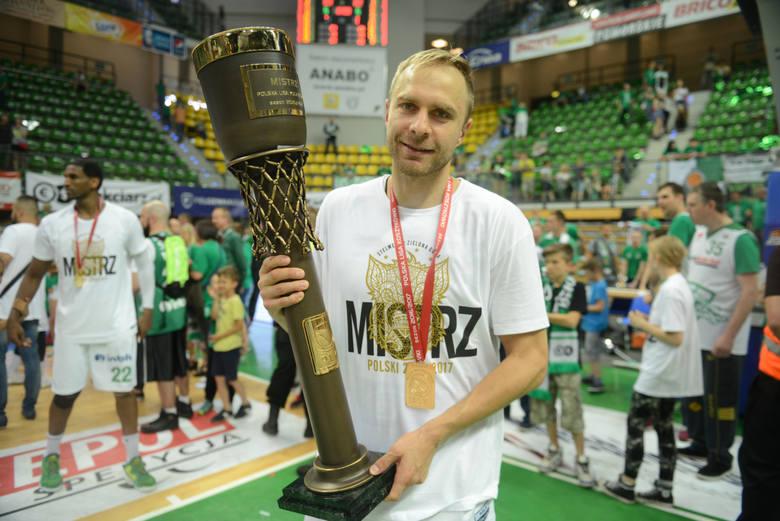 Kapitan Stelmetu Enei BC Zielona Góra będzie reprezentował klub już dziewiąty sezon.