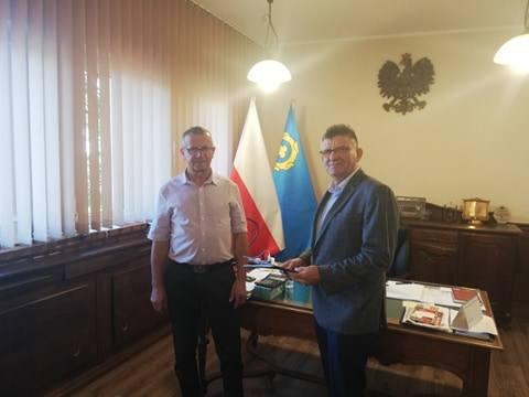 Podpisanie umowy na przebudowę dróg w gminie Ciechocin