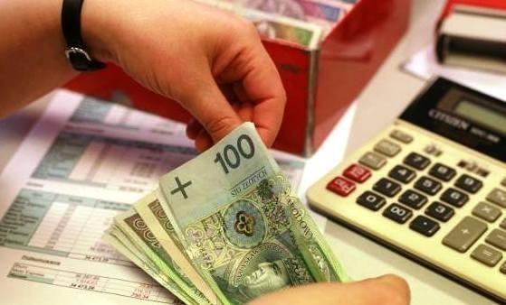 Płaca minimalna. PiS zaproponował rekordowy wzrost płacy minimalnej - 3 tys. zł brutto miesięcznie w 2020 roku i 4 tys. zł brutto miesięcznie do 2023