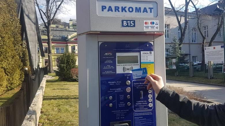 Nowy Sącz. Koronawirus opóźnia wydawanie Kart Nowosądeczanina