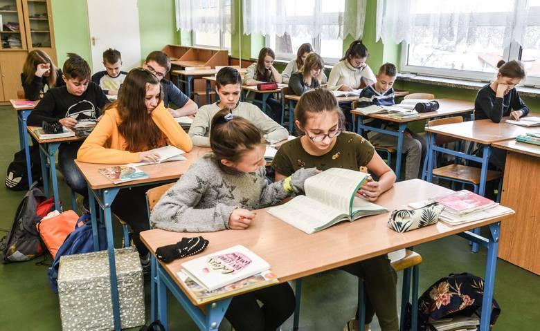 Nowy rok szkolny będzie rewolucyjny dla liceów. Spotykają się tam dwa roczniki: absolwenci podstawówek i gimnazjów