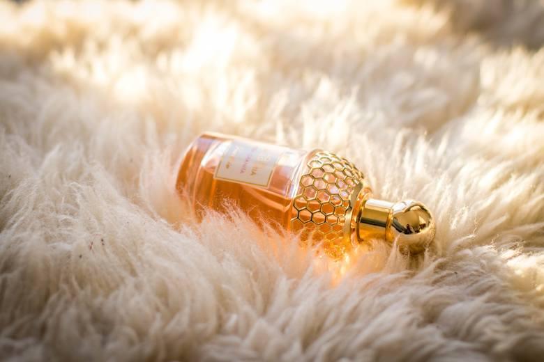 Jeśli wiemy, jakie zapachy lubi nasza Mama, możemy kupić jej ulubione perfumy. Jednak znacznie ciekawszym rozwiązaniem, jest... zrobienie perfum własnoręcznie!