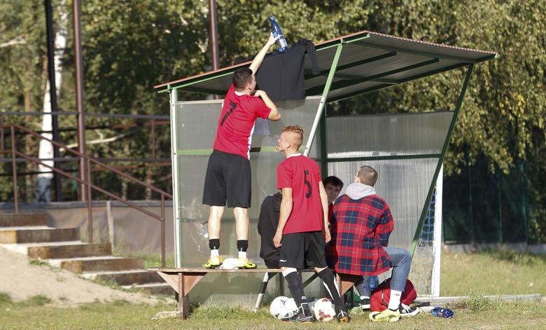 W meczu klasy B Rzeszów 1 KP Zabajka przegrała u siebie z Rudnianką Rudna Wielka 2:4. Zobaczcie zdjęcia!