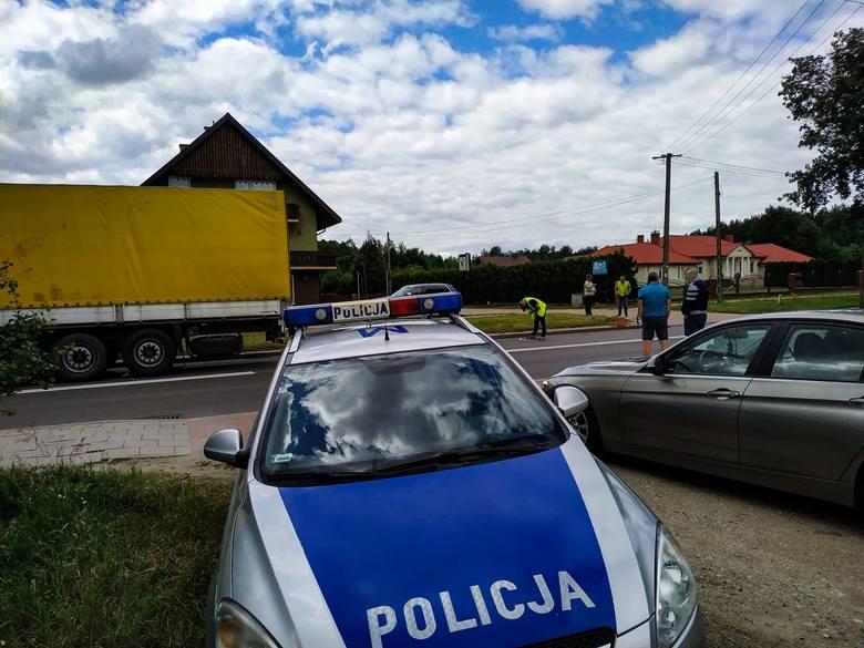 Sztabin. Śmiertelny wypadek rowerzystki. TIR zderzył się z kierującą rowerem. Reanimacja nie pomogła (03.07.2019)