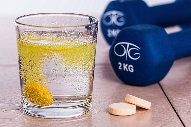 L-karnityna w postaci suplementu diety występuje w postaci musujących tabletek, kapsułek z proszkiem i tabletek.