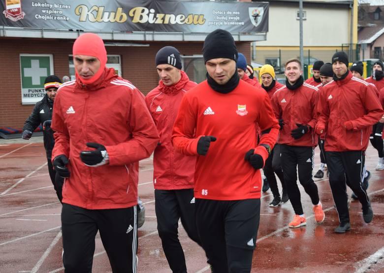 W czwartek piłkarze Chojniczanki spotkali się po raz pierwszy w 2019 roku z trenerem Maciejem Bartoszkiem i rozpoczęli okres przygotowawczy do rundy