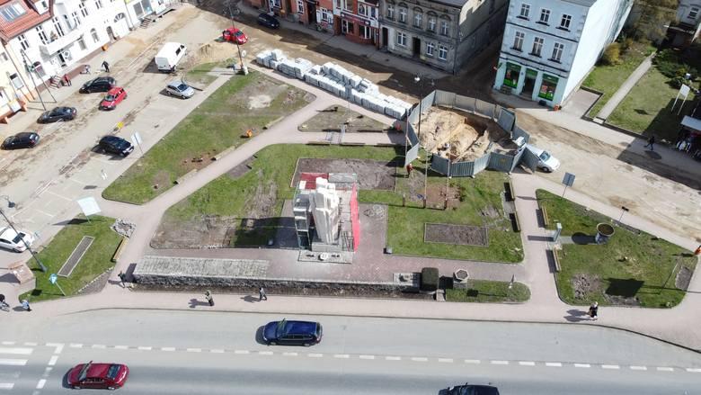 W Sępólnie trwają prace rewitalizacyjne przy kościele. Rozpoczęły się również na Placu Wolności