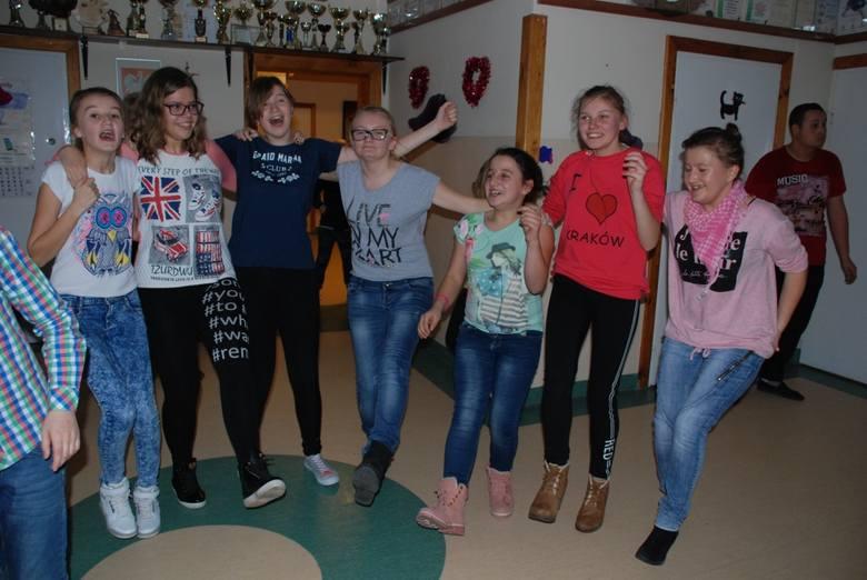 Andrzejkowa zabawa w ZSS w Brańszczyku [zdjęcia]