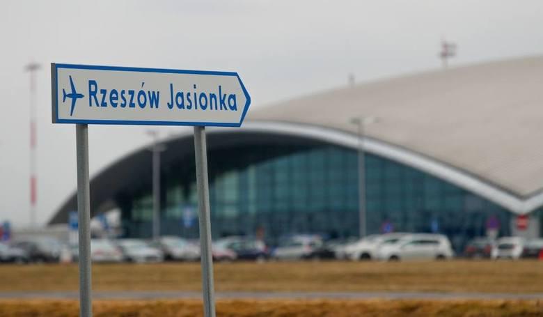 Jeśli jeszcze nie macie planów na długi weekend, mamy dla was zestawienie tanich lotów z Jasionki k. Rzeszowa wraz z cenami.W ubiegłym roku z usług Portu