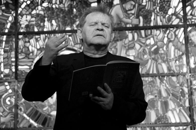 Jedną z inspiracji były dla Ryszarda Peryta teksty Jana Pawła II. Te nie tylko recytował. Ku pamięci papieża R. Peryt zrealizował też oratorium, które
