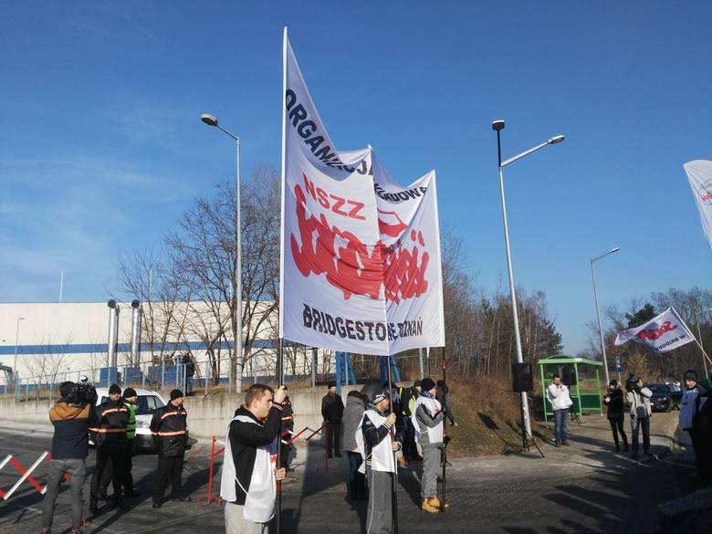 Bridgestone: Zwolnienie pracownika doprowadziło do pikiety