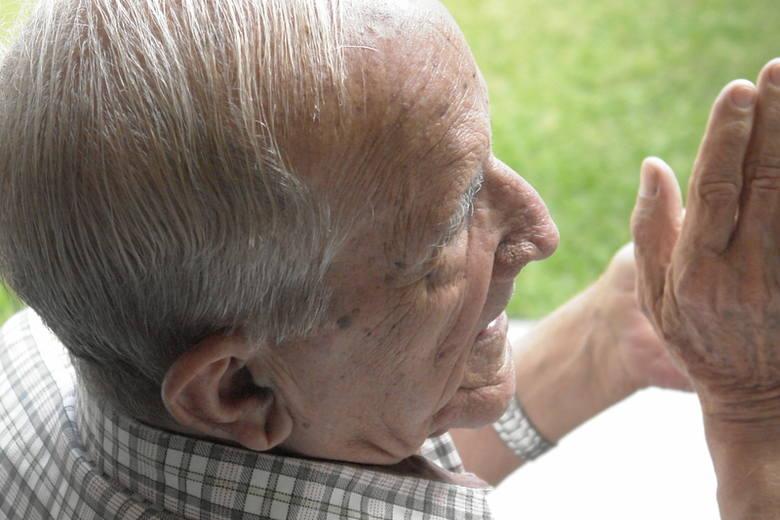 Na pomoc starszym pracownikom