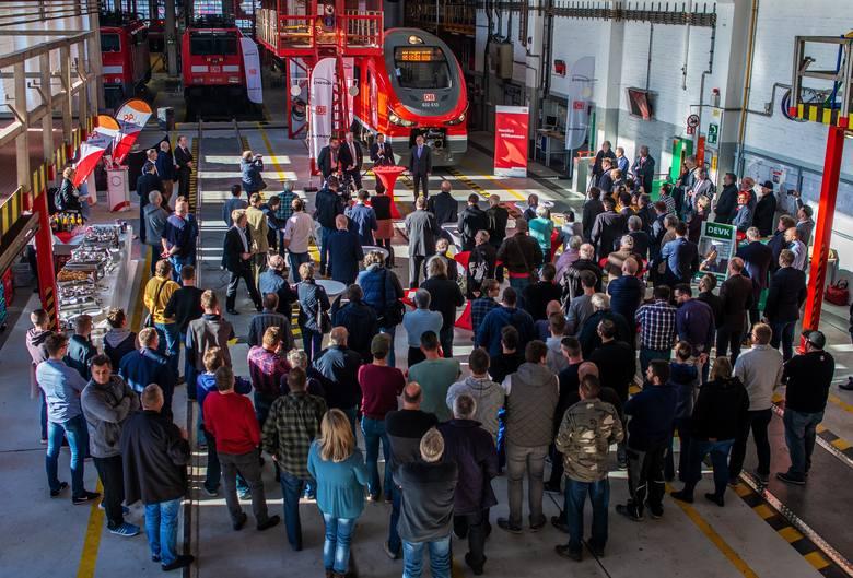 Pociąg Link z bydgoskiej Pesy został  zaprezentowany (8 listopada) przez Deutsche Bahn w Dortmundzie podczas uroczystości 75-lecia Bazy DB w tym mieście.
