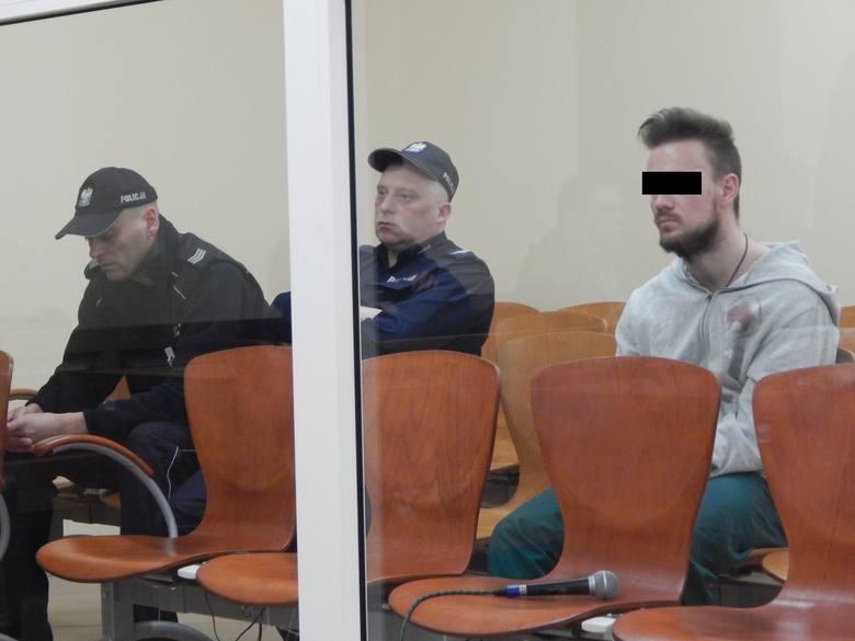 Mężczyzna został zatrzymany po tym jak w piwnicy domu znaleziono zwłoki jego ojca.