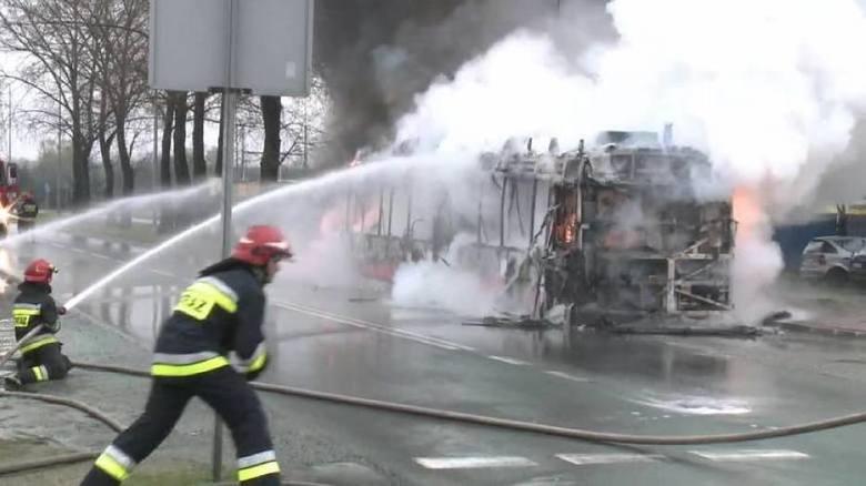 Autobusy hybrydowe w Częstochowie o wielki problem. Grożą samozapłonem, a dodatkowo są zbyt głośne