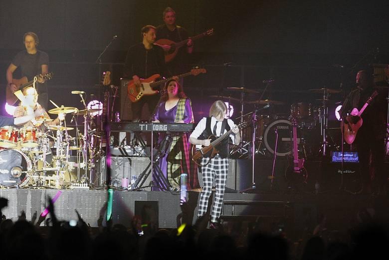 """Reaktywowana po latach grupa The Kelly Family wystąpiła w sobotni wieczór w Atlas Arenie. Muzycy przyjechali do Łodzi w ramach trasy """"We Got"""