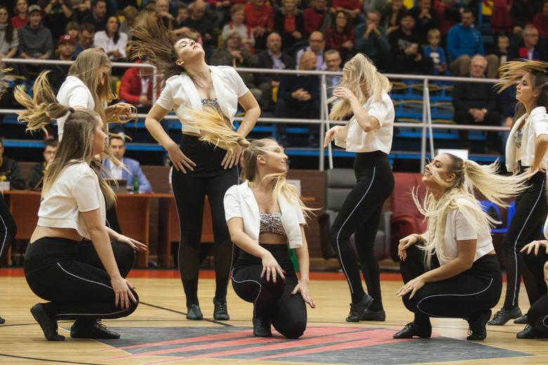 Cheerleaders Maxi wystąpiły podczas meczu STK - Sokół Łańcut [zdjęcia]