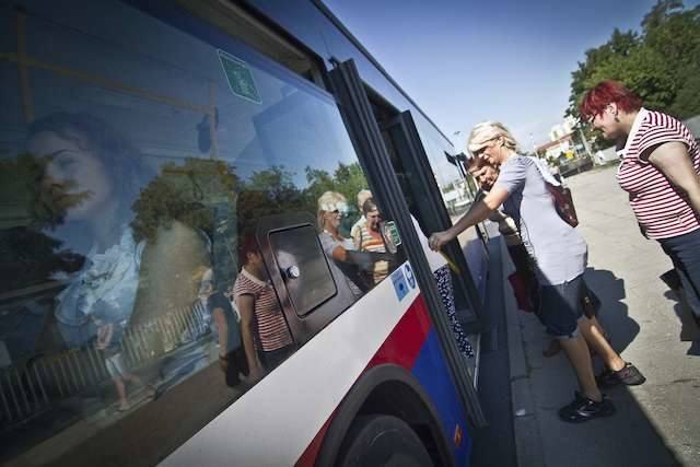 Mieszkańcy Strzelec Górnych i Dolnych oraz Jarużyna długo czekali na linię autobusową do Fordonu