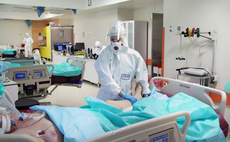 """W szpitalu """"covidowym"""" w Grudziądzu przebywają pacjenci z całego województwa chorujący na COVID-19"""