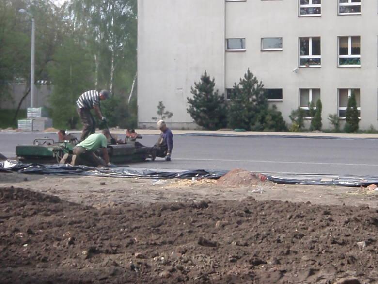 Uczniowie SP nr 19 w Świętochowicach w końcu będą mieli nowe boiska