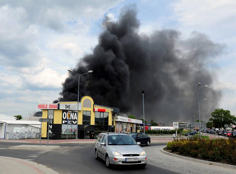 Pożar myjni samochodowej w Dębicy. Zdjęcia internauty
