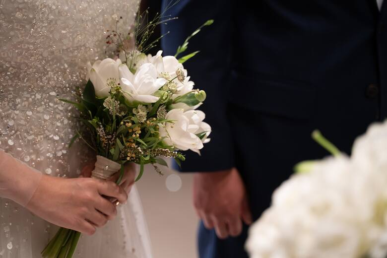 RodziceJeśli nie dokładali się do organizacji wesela, to jest to zwykle od 1000 złotych.