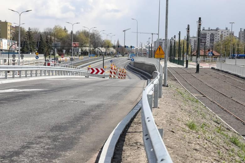 Trwa budowa Trasy Łagiewnickiej, która ma połączyć się z planowamymi trasami Pychowicką i Zwierzyniecką. Trasy Ciepłownicza i Nowobagrowa to również