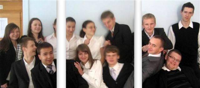 Uczniowie z klasy społeczno - prawnej w ostrołęckim III LO