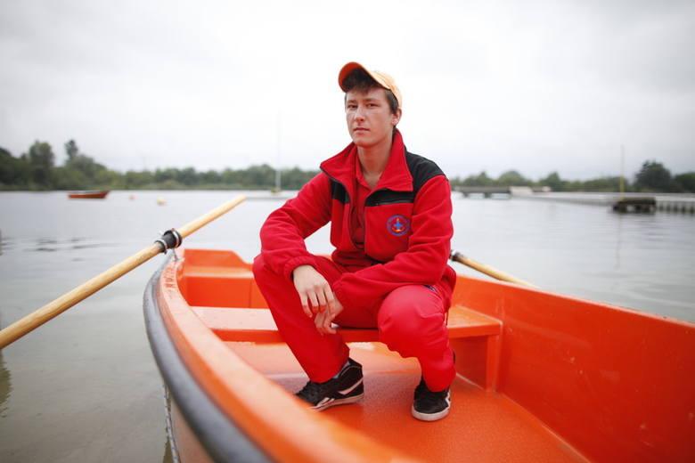– Policjantki powiedziały koledze ratownikowi, żeby przyprowadził tych rosłych mężczyzn, którzy nam grozili – opowiada Grzegorz Nosal, ratownik z kąpieliska