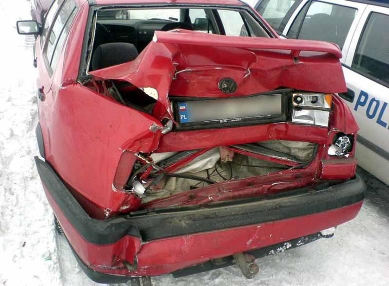 Wypadek spowodował kierowca volkswagena, który chciał tyłem włączyć się do ruchu