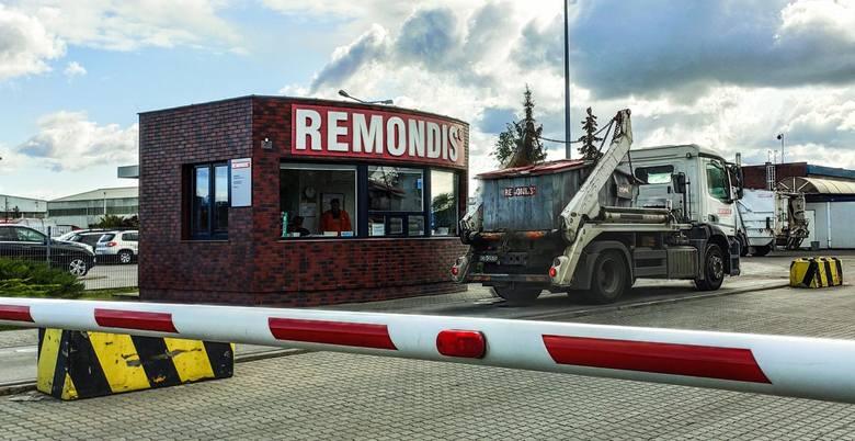 Inna firma odbierająca śmieci w Bydgoszczy - Remondis - rezygnuje w tym roku z wydawania pracownikom papierowych bonów. Dostaną pieniądze - przelewem
