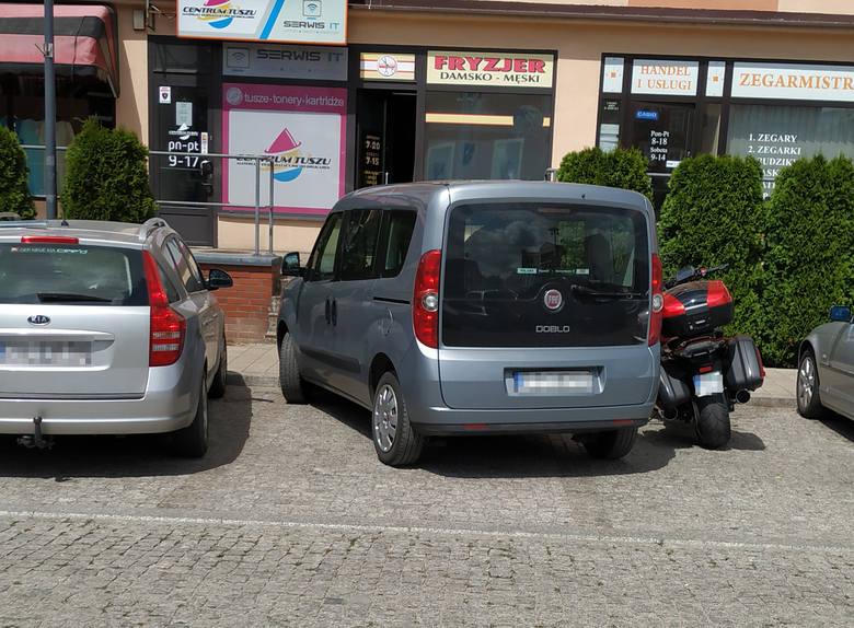 Mistrzowie parkowania 2019 w Trójmieście i na Pomorzu. Janusze parkowania, łosie na drodze, czyli jak nie parkować! [zdjęcia]
