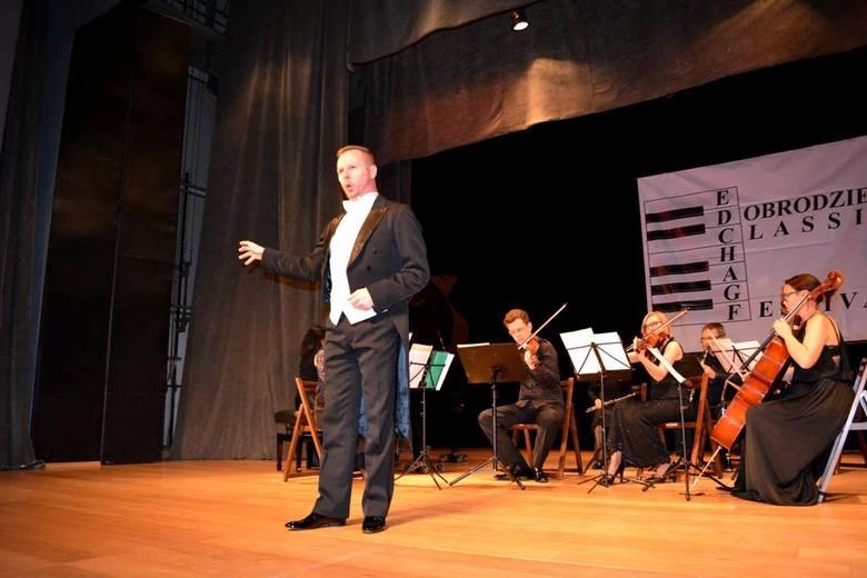W piątek był koncert w katedrze w Opolu, w sobotę w domu kultury w Oleśnie, a w niedzielę w domu kultury Dobrodzieniu. Festiwal zorganizował Piotr Lempa,