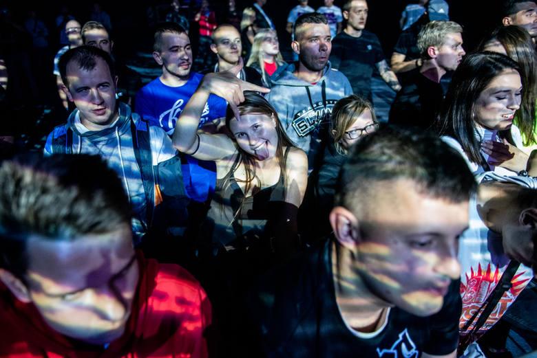 W sobotę w poznańskiej Arenie odbył się festiwal Hip Hop Fever 2. Wystąpili m.in. Peja & RPS Band, Hemp Gru, Lukasyno, PIH, Young Igi i Kaz Balagane.