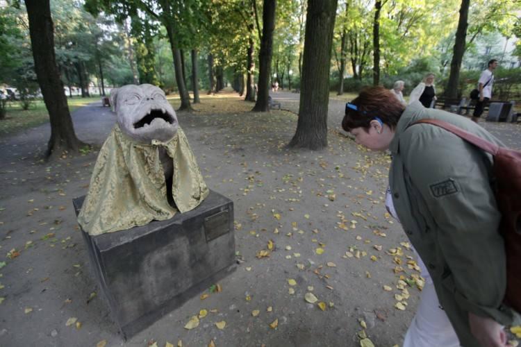 Rzeźby promują Straszny Dwór (zdjęcia)