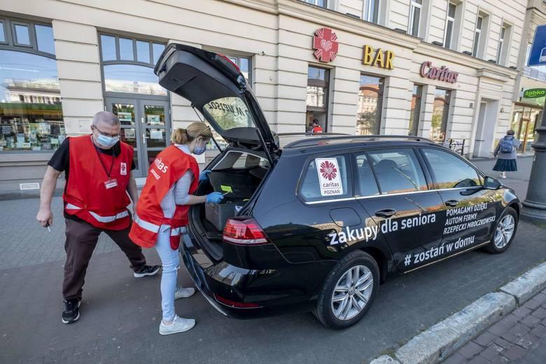W czasie epidemii koronawirusa Caritas Archidiecezji Poznańskiej powołał wolontariat kryzysowy, by wspierać najsłabszych, którzy są najbardziej narażeni