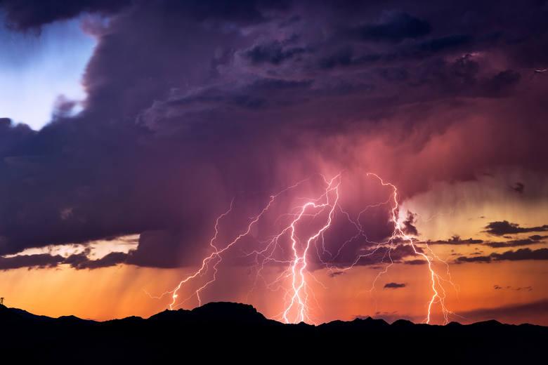 1. W okresie burzowym sprawdzaj lokalną prognozę pogody - zwłaszcza przed wyjściem w góry.