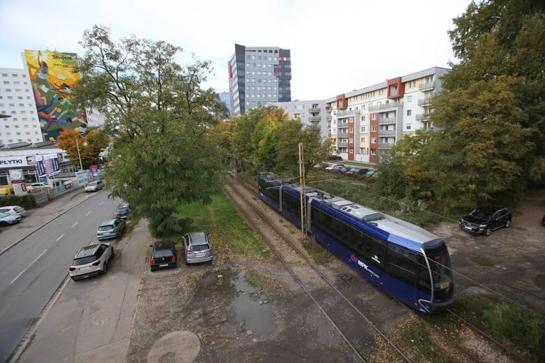 Tramwaje pojadą na Nowy Dwór dopiero w 2023, a budowa trasy może potrwać  nawet trzy lata. W sumie chodzi o 7 kilometrów. Tramwaje i autobusy będą wyruszać