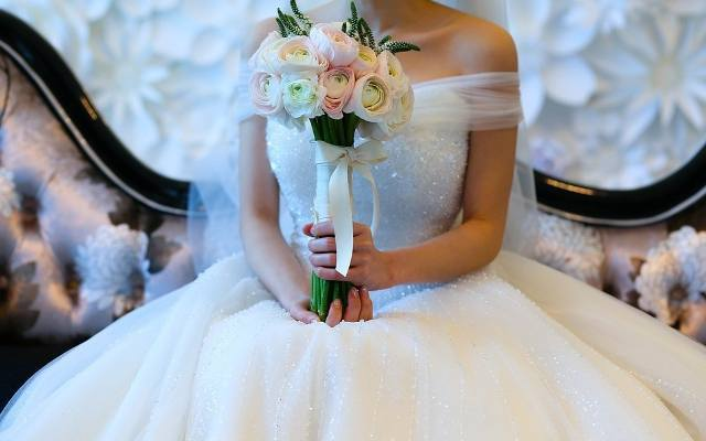 W powiecie grójeckim jest mnóstwo malowniczych miejsc, które nowożeńcy wybierają na swoje ślubne sesje fotograficzne. Największym zainteresowaniem cieszą