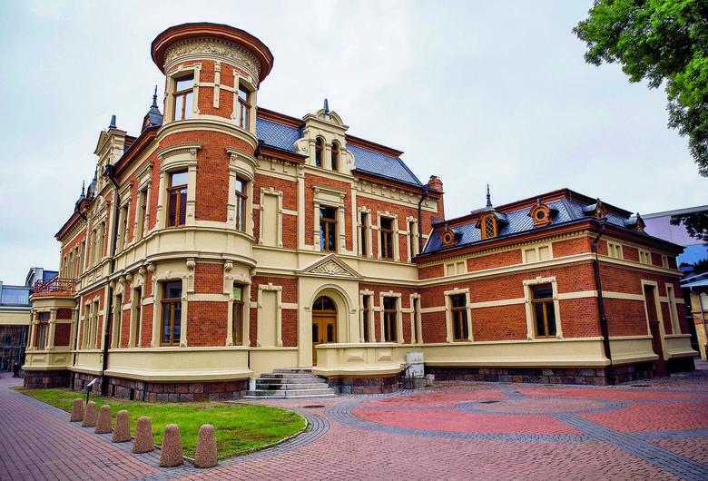 Pałacyk Beckera w Białymstoku. Nad jego odrestaurowaniem pracuje prywatny przedsiębiorca. Zabytek ma służyć mieszkańcom Białegostoku