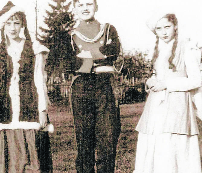 Karol Wojtyła podczas szkolnego przedstawienia
